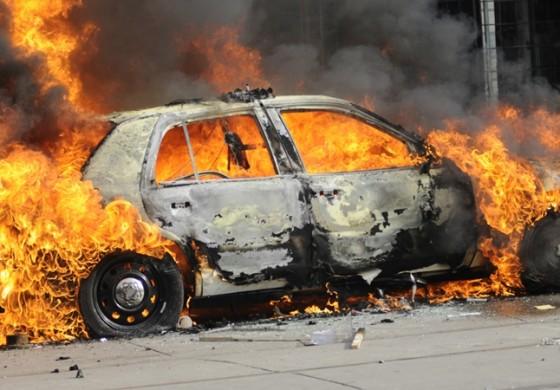 Се запали возило во движење на патот Куманово – Крива Паланка