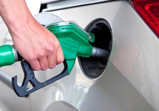 Од полноќ повторно поскапуваат нафтените деривати