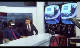 Гледање порно филм со очила за виртуелна реалност (видео)