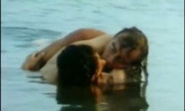 Се сеќавате ли на филмот ''Убавината на пороците''  и сексот во тројка? (видео)