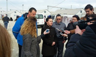 Министерката Ременски во посета на Прифатниот центар на Табановце