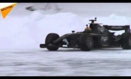 Русите соборија рекорд во возење формула по лед (видео)