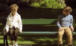 Кога богато и сиромашно момче ќе седнат на иста клупа (видео)