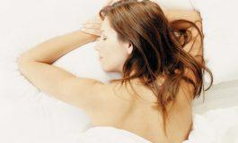 Зошто е добро да спиете голи?