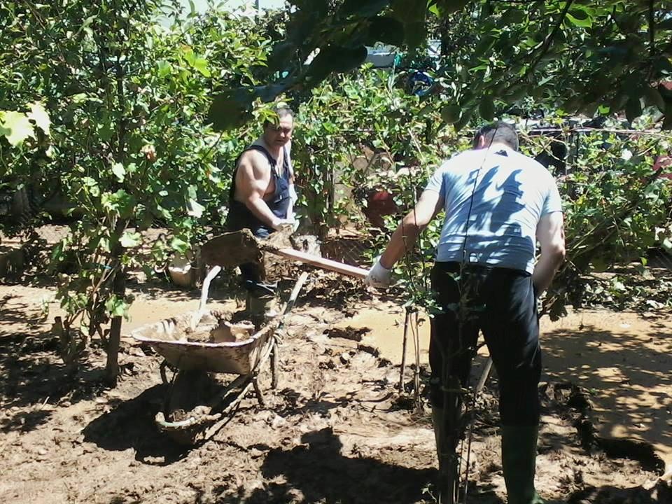 Кумановски акцијаши ги повикуваат сограѓаните во заедничко чистење на поплавените подрачја
