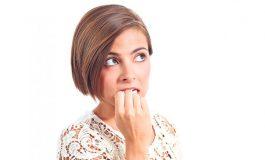 Што се може да внесеме во организмот грицкајќи нокти? (видео)