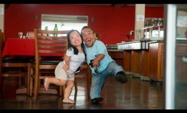Запознајте го најнискиот љубовен пар во светот (видео)