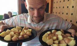 Овој човек година дена јадел само компир, нема да верувате што му се случило (фото)