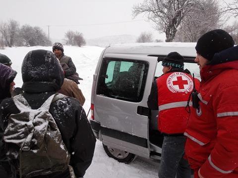 Црвениот Крст во акција: Помош за 14 семејства од отсечените козјачки села (фото)