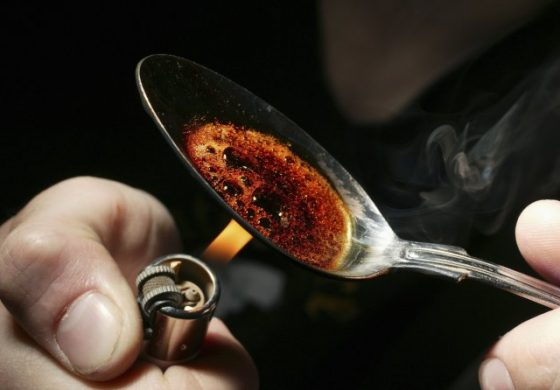 Колку време дрогата се задржува во крвта, уринот и косата?