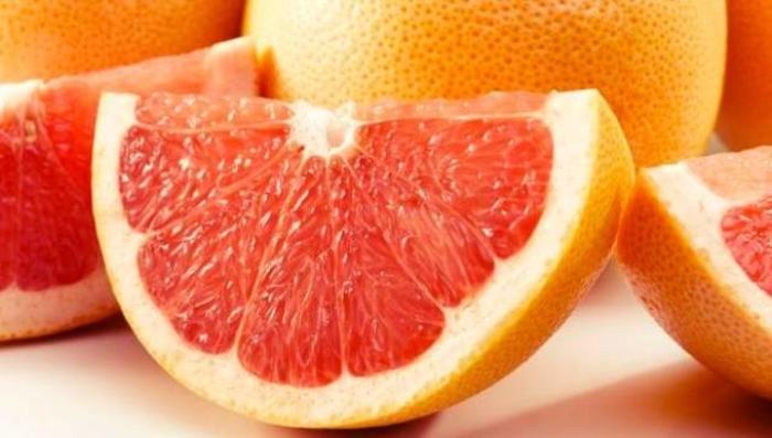 Заборавете на водата со лимон: Ова е новиот хит за слабеење и детоксикација