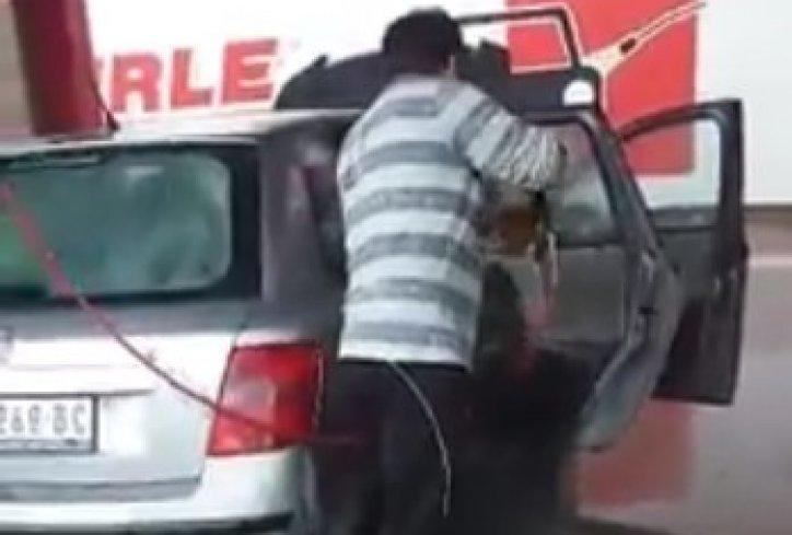 К'д новосаѓанин земе да пере авто биде хит на интернет (видео)