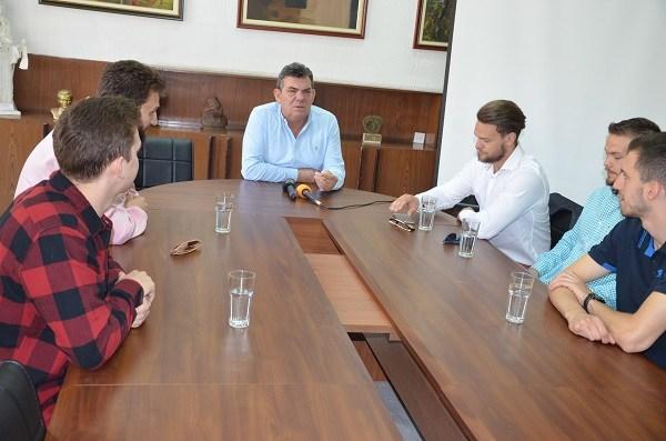 Кошаркарите на Бал фор Лајф на прием кај градоначалникот Дамјановски (фото+видео)