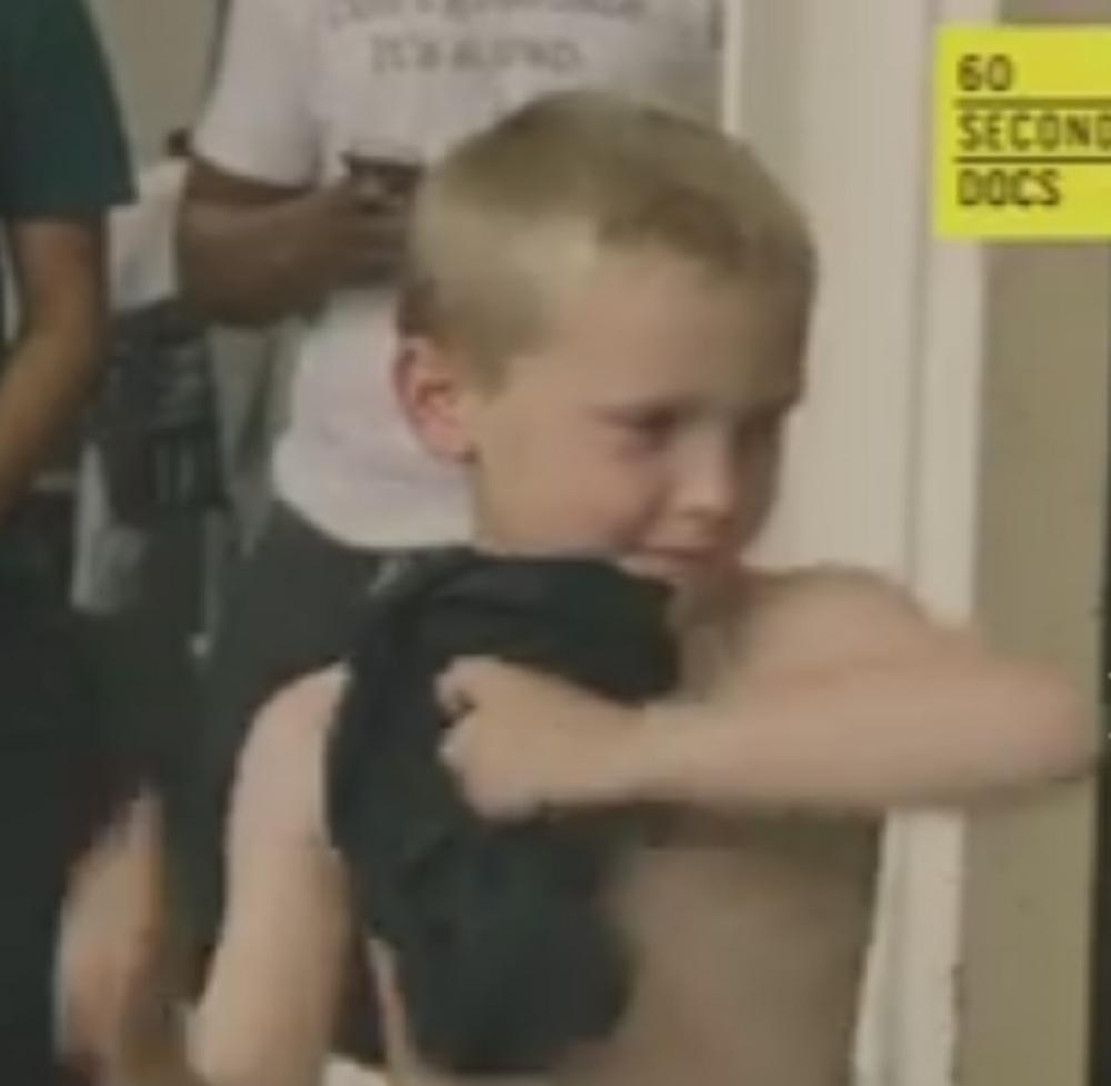 Има шест години и веќе дига тегови (видео)