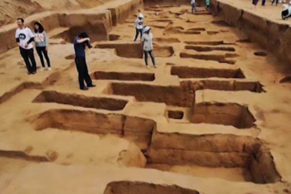 Во Кина пронајдени џинови стари 5.000 години (видео)