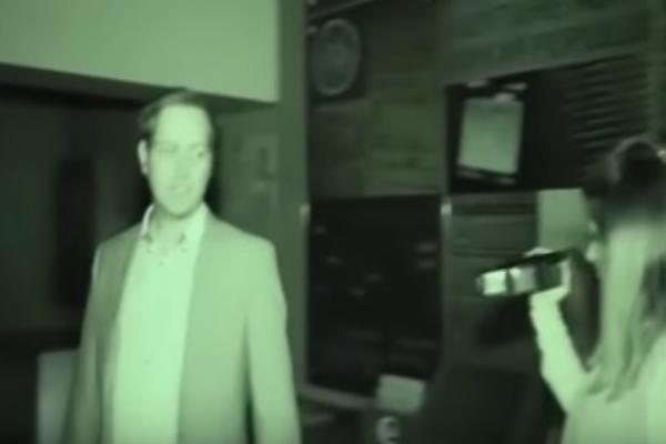 Снимен дух покрај гробница: Апаратите полуделе кога се појавила мистериозна сенка (видео)