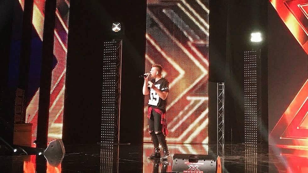 Марио Арангеловски ја воодушеви публиката на бугарскиот X Factor (фото+видео)