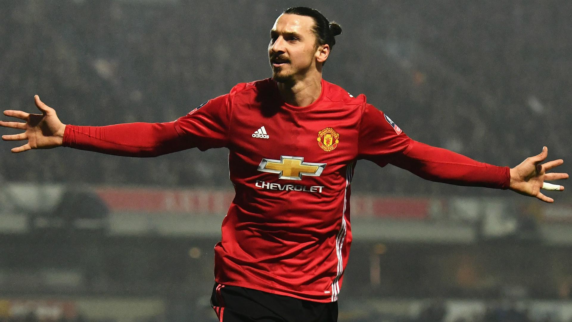 Златан Ибрахимович уште една година во Манчестер Јунајтед