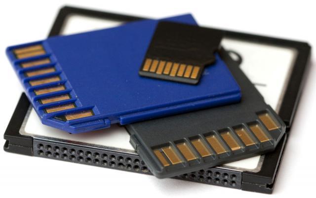 Пристигнува SD картичка со неверојатно голема меморија