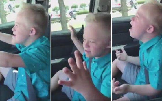 Планетата полуде по момчето со Даунов синдром: Растури како ја испеа Витни Хјустон (видео)
