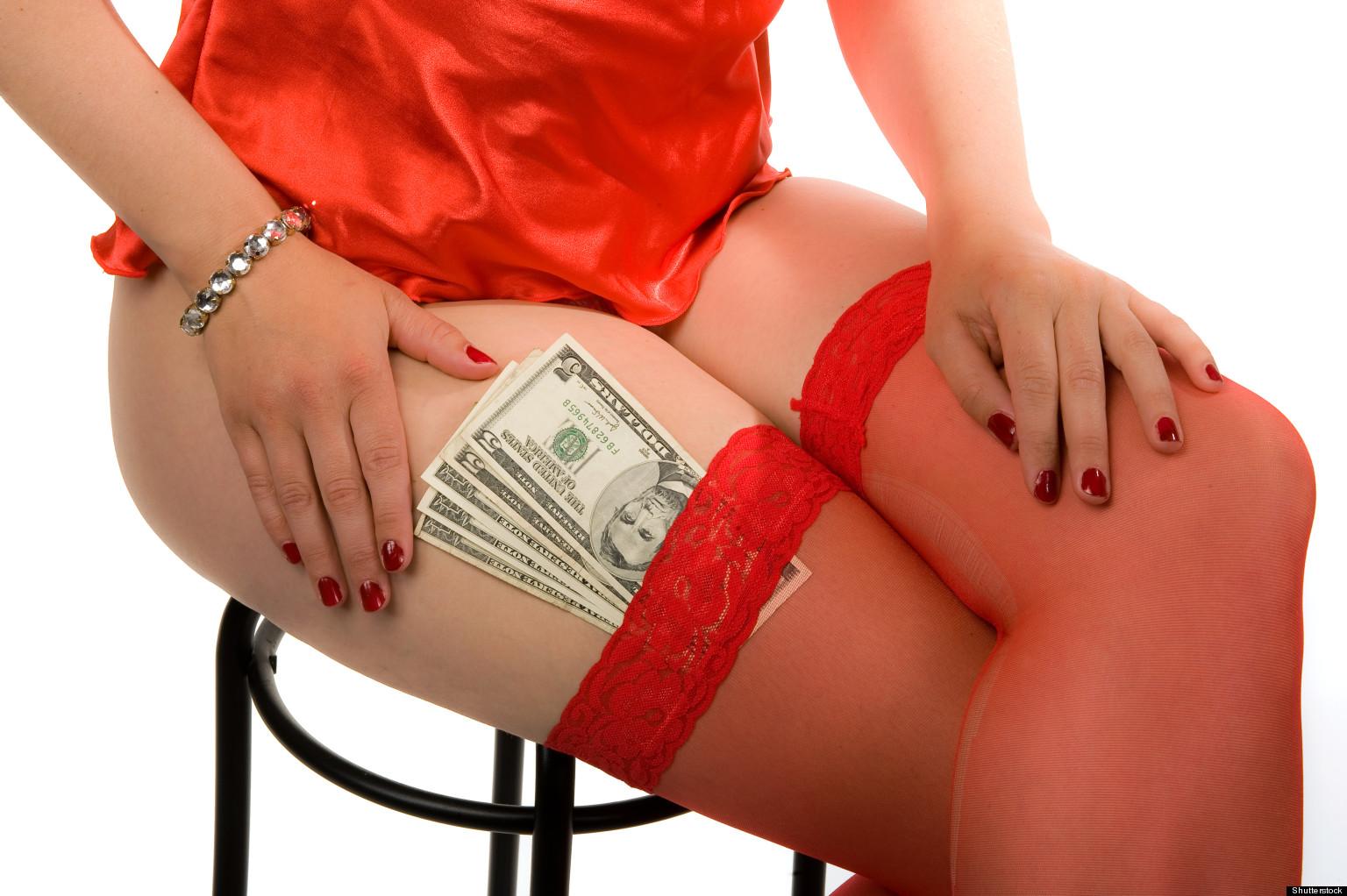 """Искусна ескорт дама открива: """"Мажите најмногу бараат два фетиши и дебело плаќаат за нив"""""""