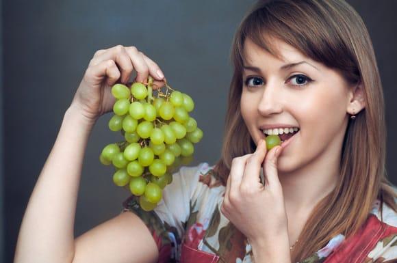 Заштитете се од штетните сончеви зраци со грозје