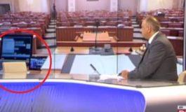 Хрватски новинар две минути разговараше со празна столица: Ќе се изненадите зошто (видео)