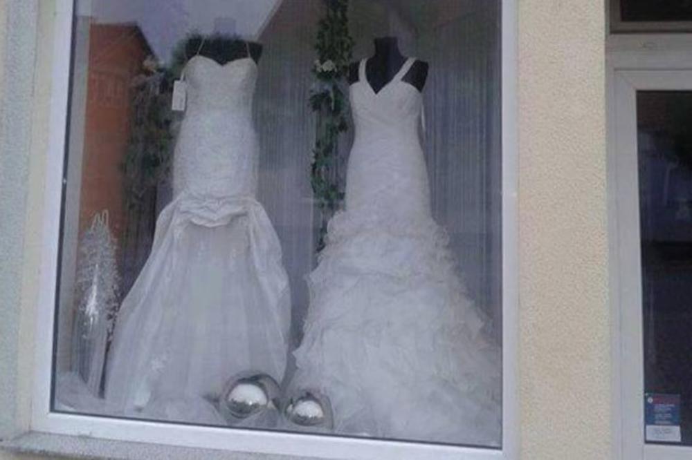 Куде њима нема што нема: Организирав и свадбе и сахране (фото)