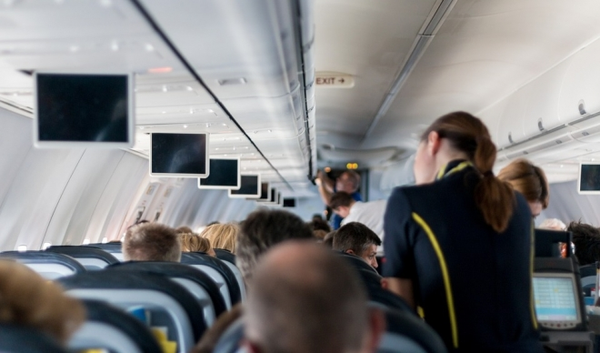 На стјуардеса и ја намалиле платата поради килажата: Ми рекоа дека сум премногу дебела