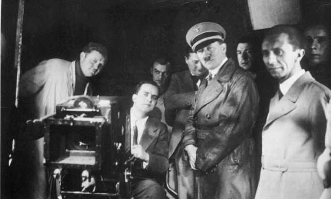 Именикот на Хитлер продаден на аукција за неверојатни 33.000 фунти