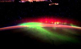 Неверојатна снимка на поларна светилна направена од вселената (видео)