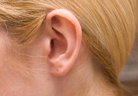 """Имала страшни главоболки, лекарите се шокирале кога во увото пронашле """"неканет гостин"""" (видео)"""