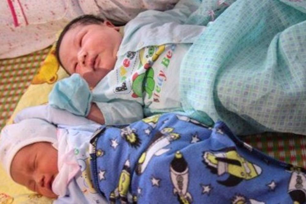 Родено бебе тешко над седум килограми