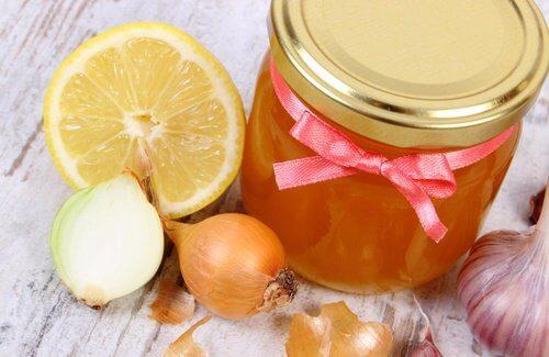 Како да си направите домашен сируп за кашлица?