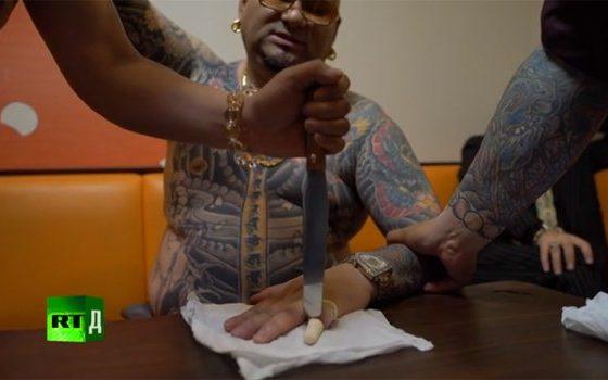 Како живее озогласениот мафијашки бос? Мафијата Јакуза минува низ криза (видео)