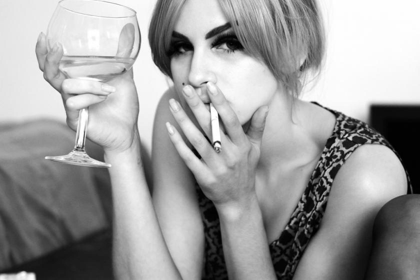 Современите жени пијат колку мажите
