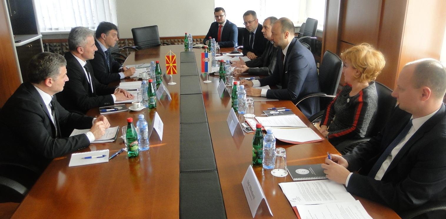 Соработката меѓу царините на Македонија и Србија на високо ниво  констатирано на средба во Белград