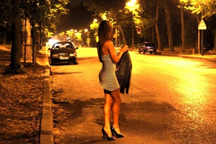 Париз казни 1,142 клиенти на проститутки од 2016 година