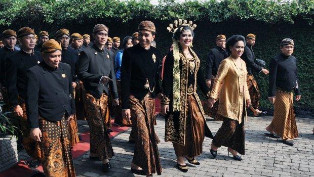 Раскошна венчавка на ќерката на претседателот  8 000 гости  а церемонијата ја гледала целата државата
