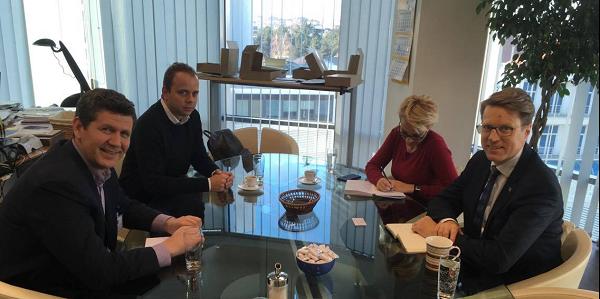Претседателот на ЗНМ се сретна со евроамбасадорот Жбогар