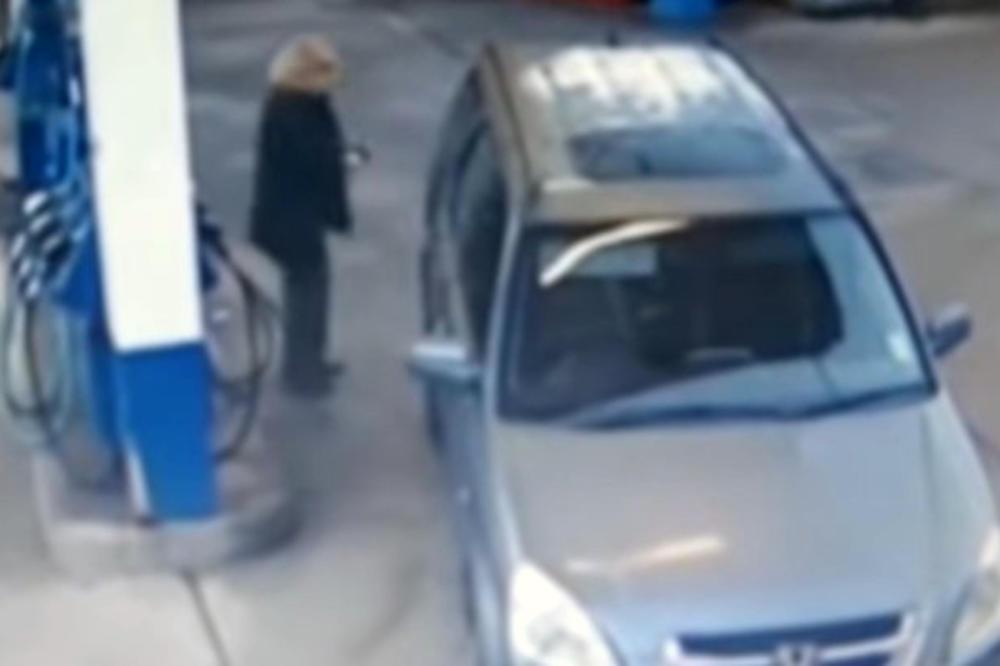 Од куде му се стављаше с'га гориво на овој авто? (видео)
