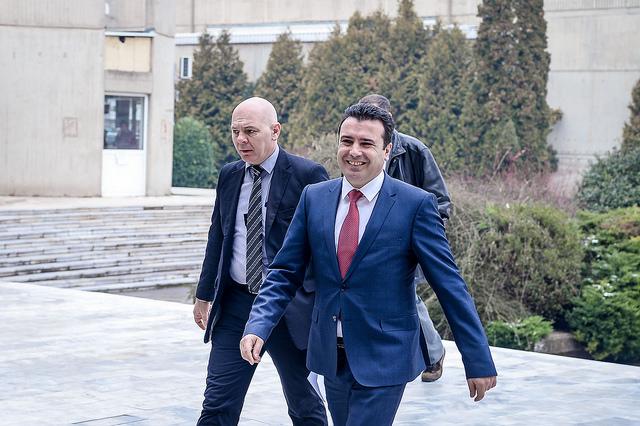 Премиерот Заев во прва официјална посета на Косово