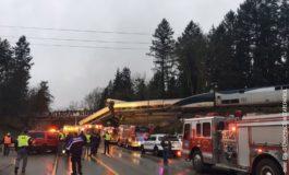 Воз излета од шините: Шестмина мртви, над 70 повредени (видео)