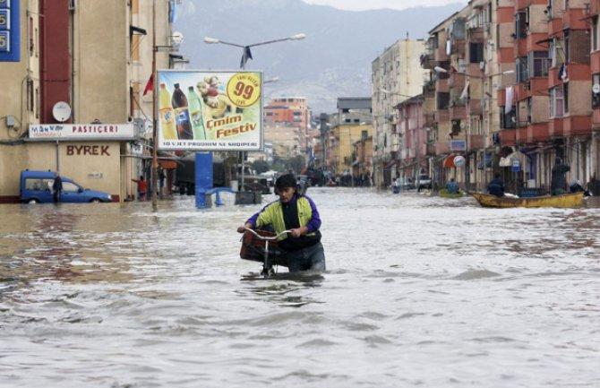 Македонија оддели шест милиони денари за настраданите во поплавите во Албанија
