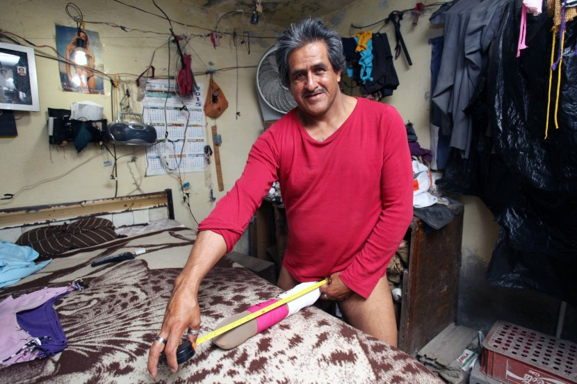 Човекот со најголем пенис во светот доби инвалидска пензија (фото+видео)