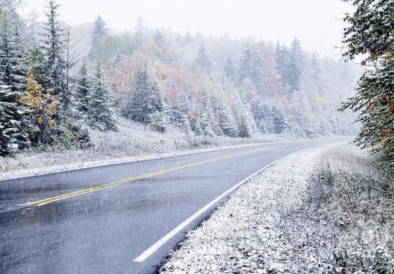 ВОЗЕТЕ ВНИМАТЕЛНО: Одрони, кашест снег и влажни коловози