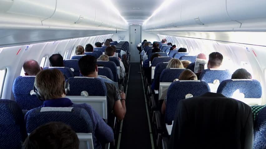 Зошто седиштето секогаш треба да е исправено кога авионот слетува и полетува?