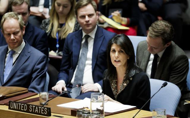 Хејли: Светот гледа што прави Иран