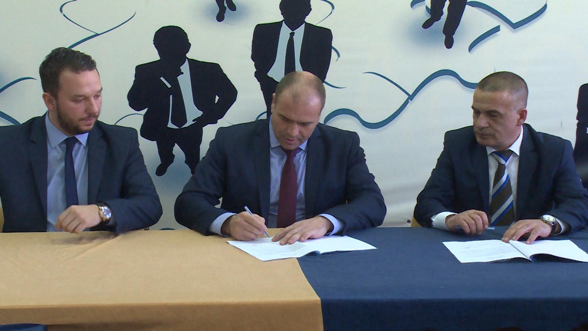 СДСМ и ДУИ на локално ниво во Куманово потпишаа Меморандум за соработка