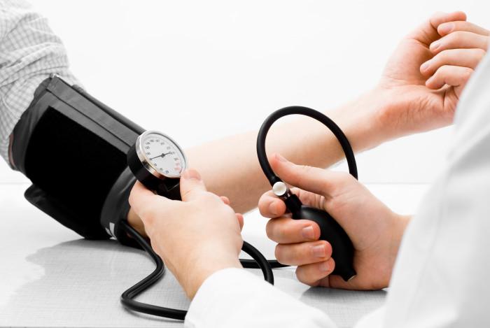 Приближувањето на долната и горната граница на крвниот притисок е опасно!